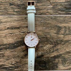 Excellent condition MVMT women's watch